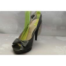Дамски обувки с висок ток и панделка сив