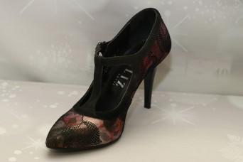 Дамски обувки с висок ток Дантела